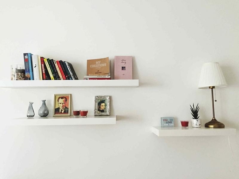 Kệ sách treo tường dáng thanh gỗ thẳng đáng yêu