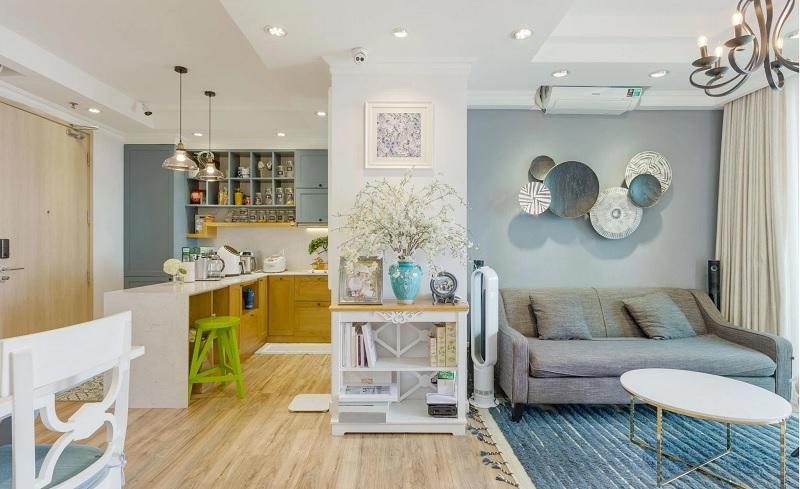 Không gian phòng khách cân đối, hài tòa từ đường nét đến màu sắc, ánh sáng