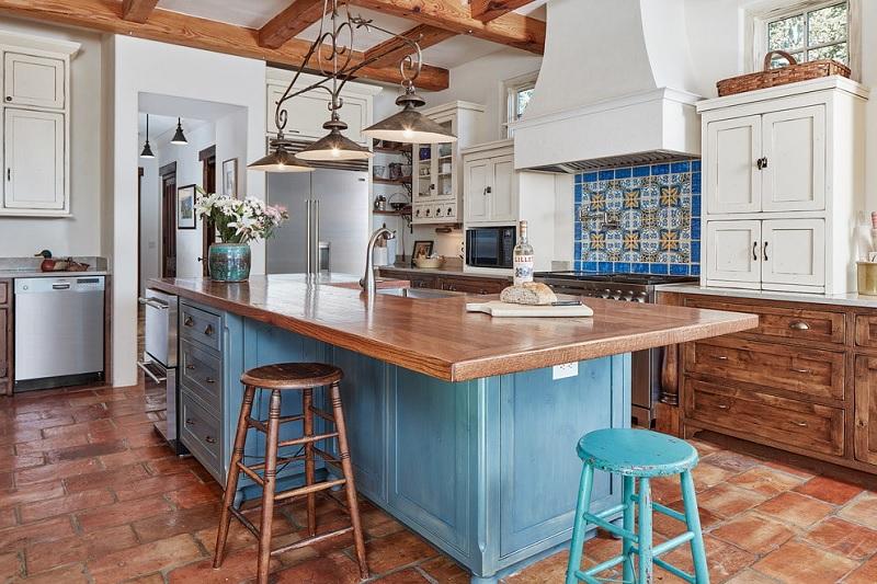 Mẫu thiết kế nội thất phòng bếp Địa trung hải
